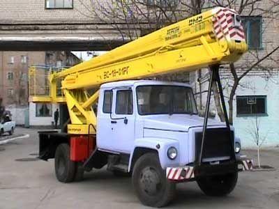 GAZ VS—18 Podemnik VS—18 s 5ti mestnoy kabinoy  araç üstü eklemli