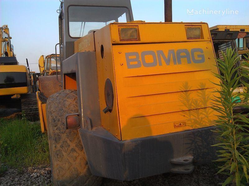 BOMAG BW217D-2 toprak silindir