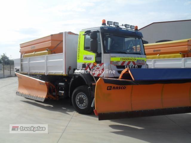 IVECO TRAKKER 450 tuzlama kamyonu