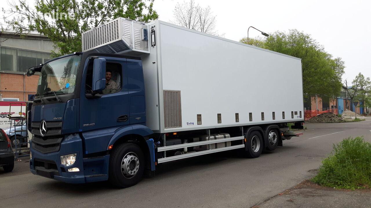 yeni MERCEDES-BENZ SPECIAL CHIKS TRASPORT VEHICLE-Koeken Aufbau- kuş taşıma kamyonu