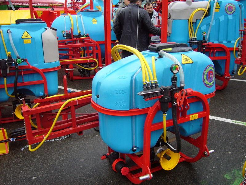 yeni MAKS 300 tarla pülverizatörleri