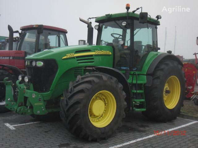 JOHN DEERE 7820 tekerlekli traktör