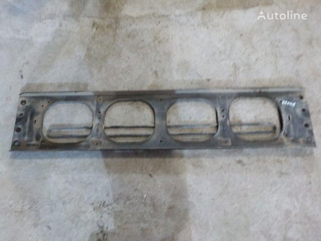 kamyon için Poperechina perednyaya ramy-kronshteyn reshetki radiatora Volvo bağlantı elemanları