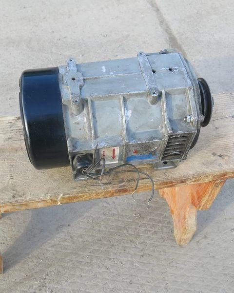 Carrier yarı römork için Karier. Carrier Generator holodilnoy ustanovki Karier.Carrier jeneratör