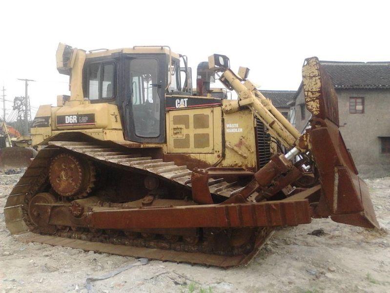CATERPILLAR D6R buldozer