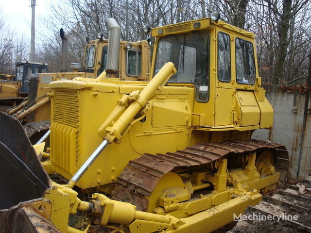 KOMATSU D65E buldozer