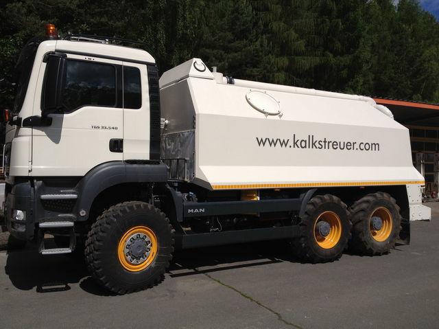MAN spreader for laim or cement TGS 33.440 - 6x6 rehabilitasyon makinesi