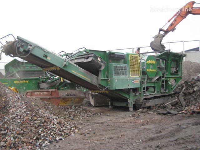 McCLOSKEY J44 taş kırma makinesi