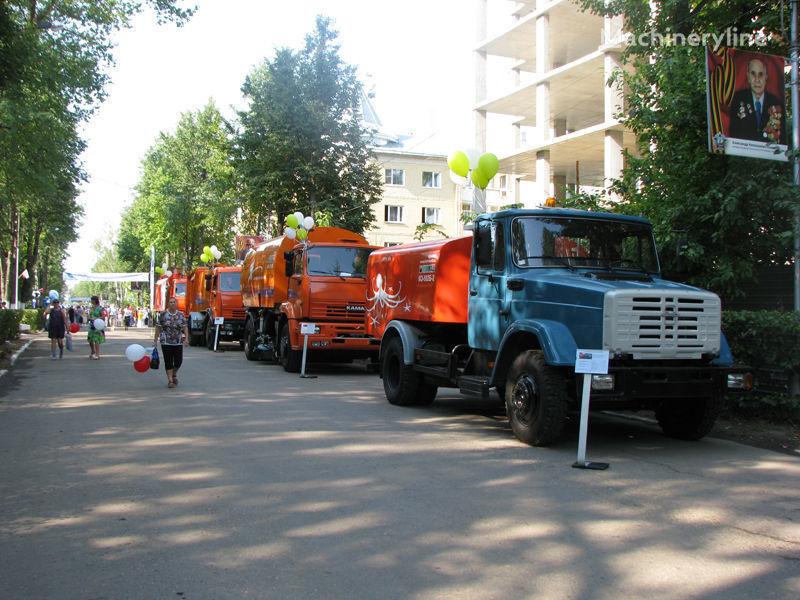 ZIL Kanalopromyvochnaya mashina KO-502D kanal temizleme aracı