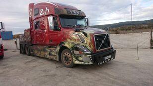 VOLVO VNL 780 çekici kamyon