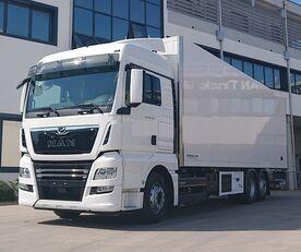 yeni MAN TGX 26.470 6X2-4 LL izotermik kamyon