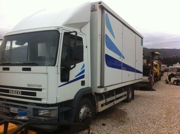 IVECO 120 E 23 kamyon panelvan