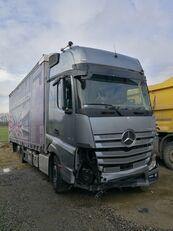 kaza sonrası MERCEDES-BENZ ACTROS 2545 kayar perdeli kasalı kamyon