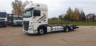 DAF XF 106.440 konteyner taşıyıcı kamyon