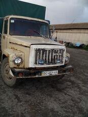 GAZ 3307 tenteli kamyon
