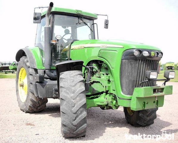 JOHN DEERE 8320 tekerlekli traktör