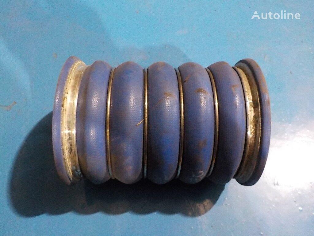 VOLVO kamyon için interkulera bağlantı borusu