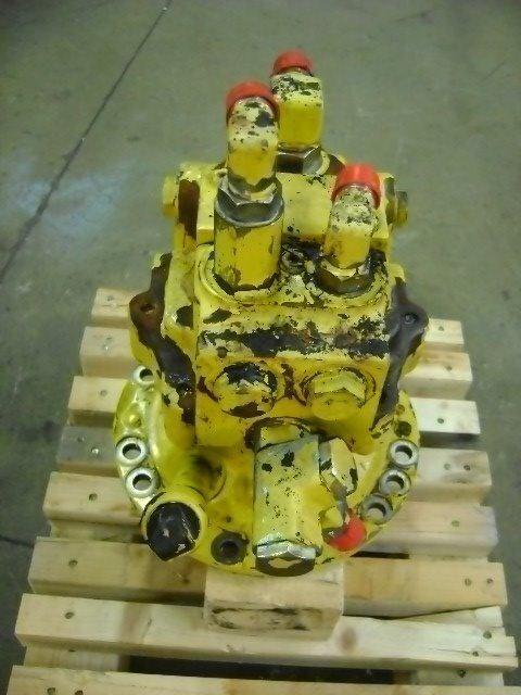KOMATSU PW 130 ekskavatör için Motore di rotazione kule dönüş motoru