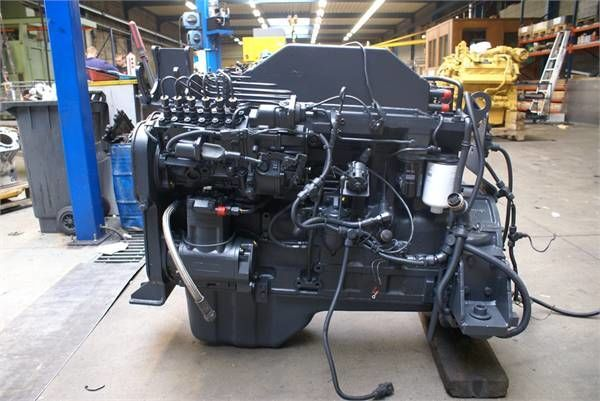 KOMATSU S6D114 E1 ekskavatör için motor
