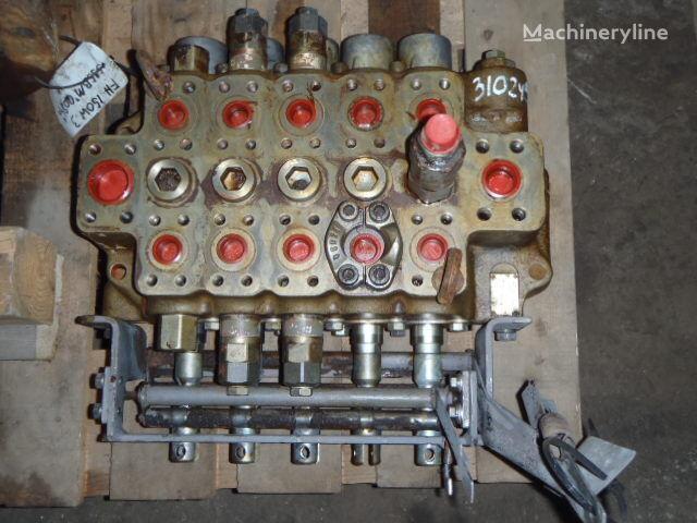 FIAT-HITACHI FH150W-3 ekskavatör için FIAT-HITACHI 21150-50111 valf
